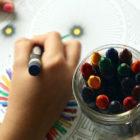 幼稚園の教材づくりの画像