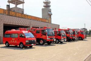 消防車の集合写真の画像